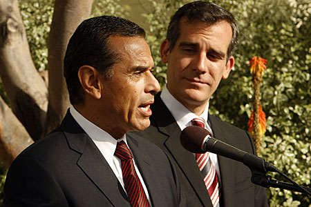 Mayor Antonio Villaraigosa, left, and mayor-elect Eric Garcetti address the media after meeting over breakfast to talk about their transition at Getty House, the official residence of the mayor in Los Angeles.