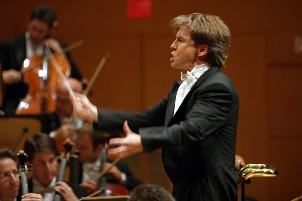 Esa-Pekka Salonen conducts on Walt Disney Concert Hall's opening night.