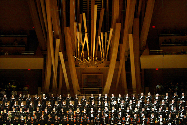 The Los Angeles Master Chorale in 2003, performing in Walt Disney Concert Hall.
