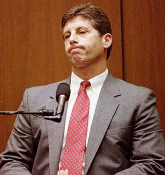 Detective Mark Fuhrman on the witness stand.
