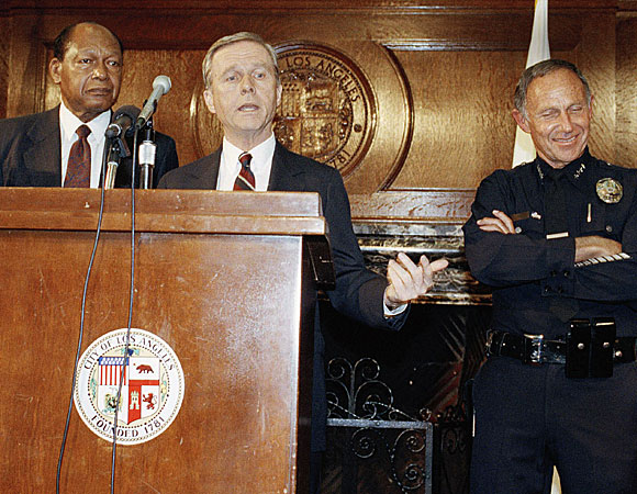 Mayor Tom Bradley, left, Gov. Pete Wilson and Police Chief Daryl Gates. (May 1, 1992)