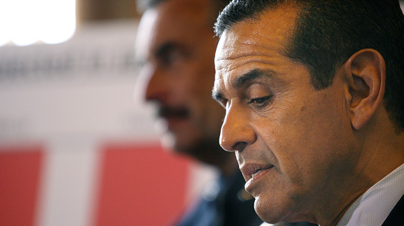 Mayor Antonio Villaraigosa unveils his budget plan at City Hall.