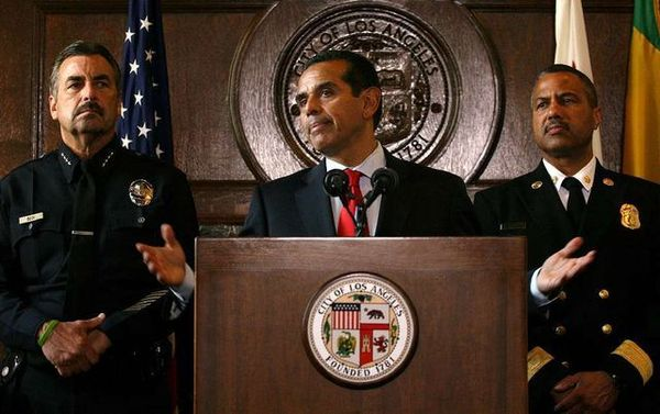 LAPD Chief Charlie Beck, Mayor Antonio Villaraigosa and LAFD Chief Brian Cummings at a press conference in October.