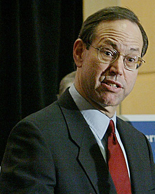 Ohio Gov. Bob Taft speaks during the National Governors Assn. meeting in February 2004.