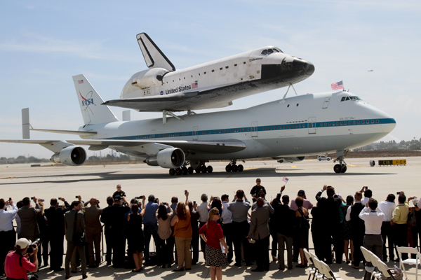 The Endeavour as it arrives at the United hangar at Los Angeles International Airport Friday after it's cross-country trip from Florida.