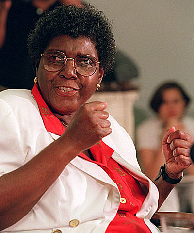 Barbara Jordan, chairwoman of the U.S. Commission on Immigration Reform, meets reporters to discuss the panel's summary of recommendations to Congress.
